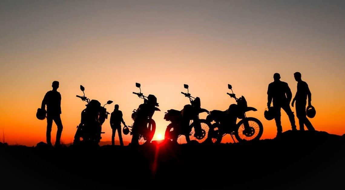 6 Reasons Why You Should Choose to Ride in a Small Group with a Guide